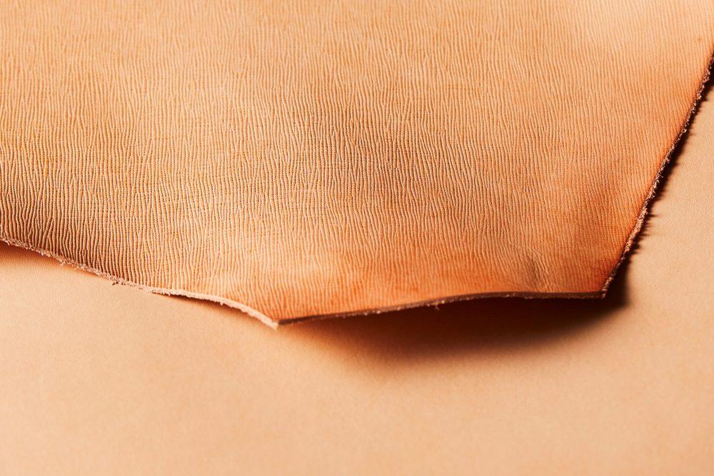 プレスオンザヌメ革 プレーンヌメ革